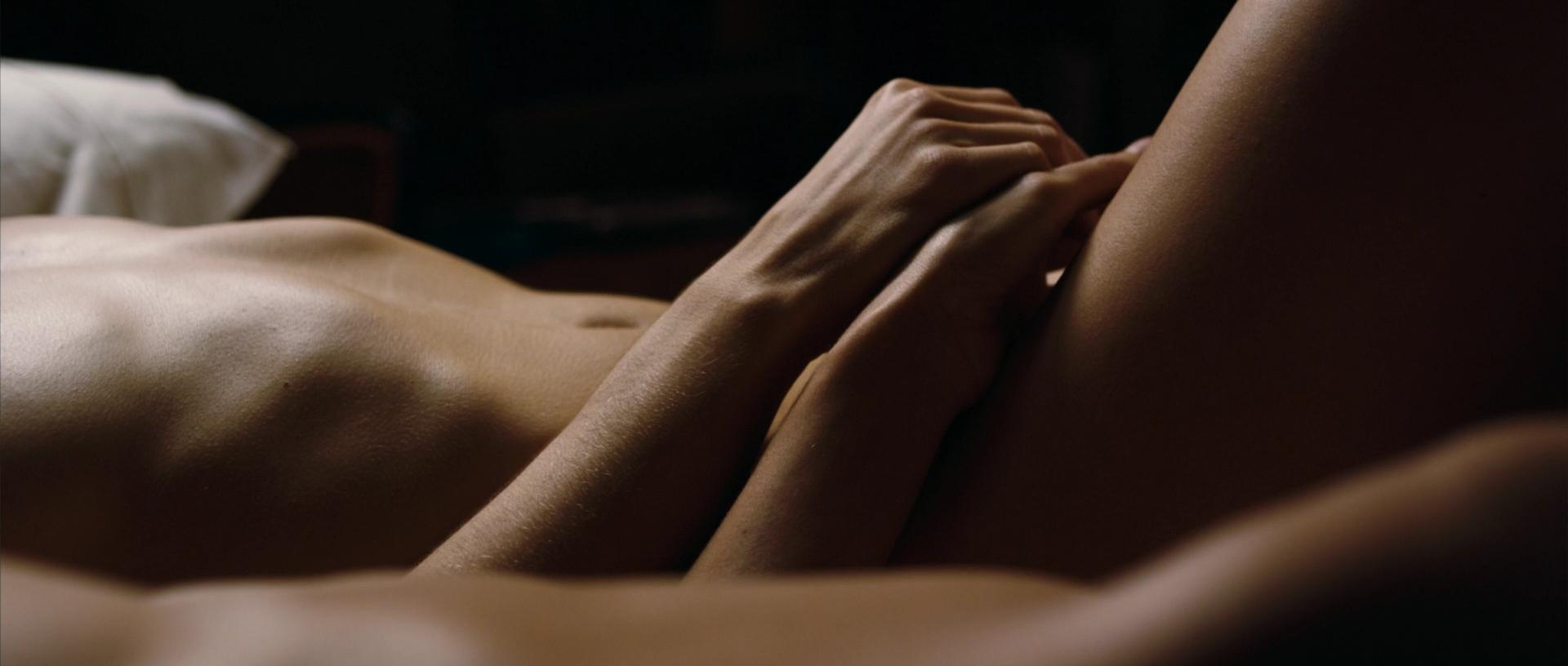 Гладить Обнаженное Тело Любимой Порно Живые Фото