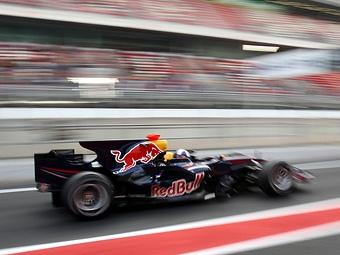 По пит-лейну - только на электротяге. FIA опубликовала регламент на 2014 год.