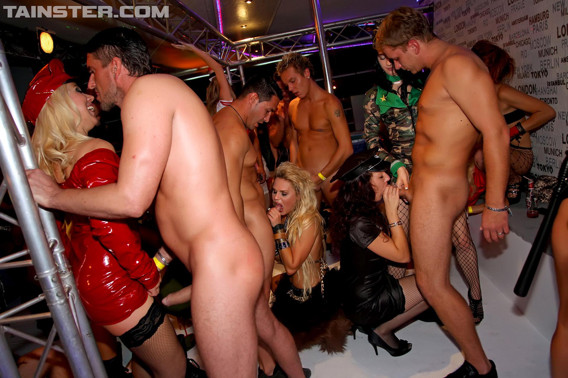 Фото порно у вечеринка, Порно вечеринки, фото секс пати, порно клуб 13 фотография