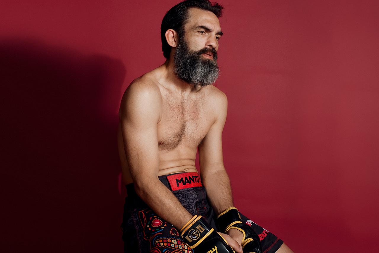 Несмотря на недолгую бойцовскую карьеру, Вячеслава Юровских уже считают легендой любительского MMA в России — про него сочиняют рэп, делают мотивационные ролики с фрагментами его боев и приглашают на соревнования по всей стране