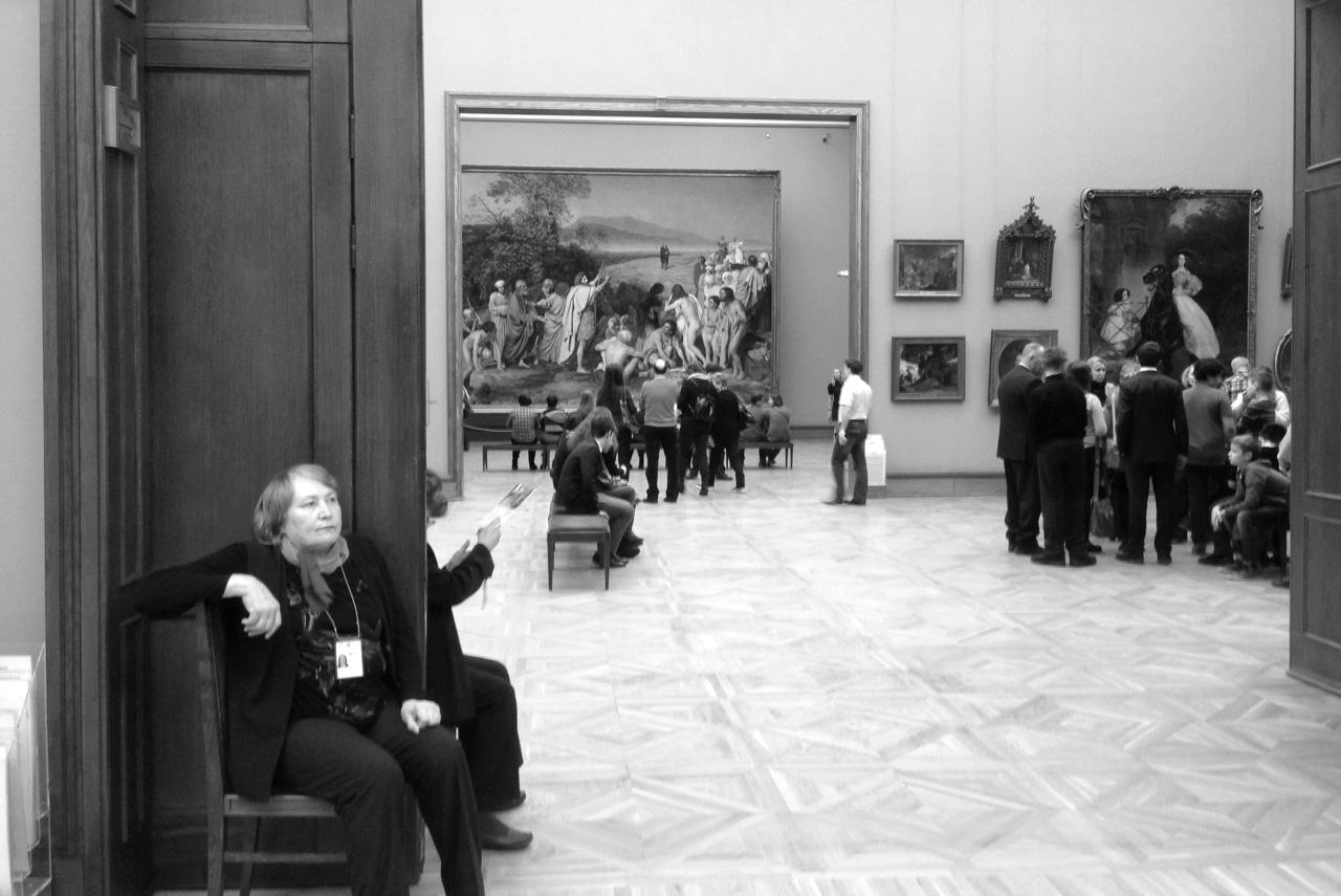 Так выглядит полупустой зал в Третьяковской галерее: расслабленно, спокойно и неспешно