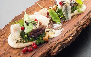 Свиные копытца, голова лосося и кровь марала: удивительная еда на Omnivore