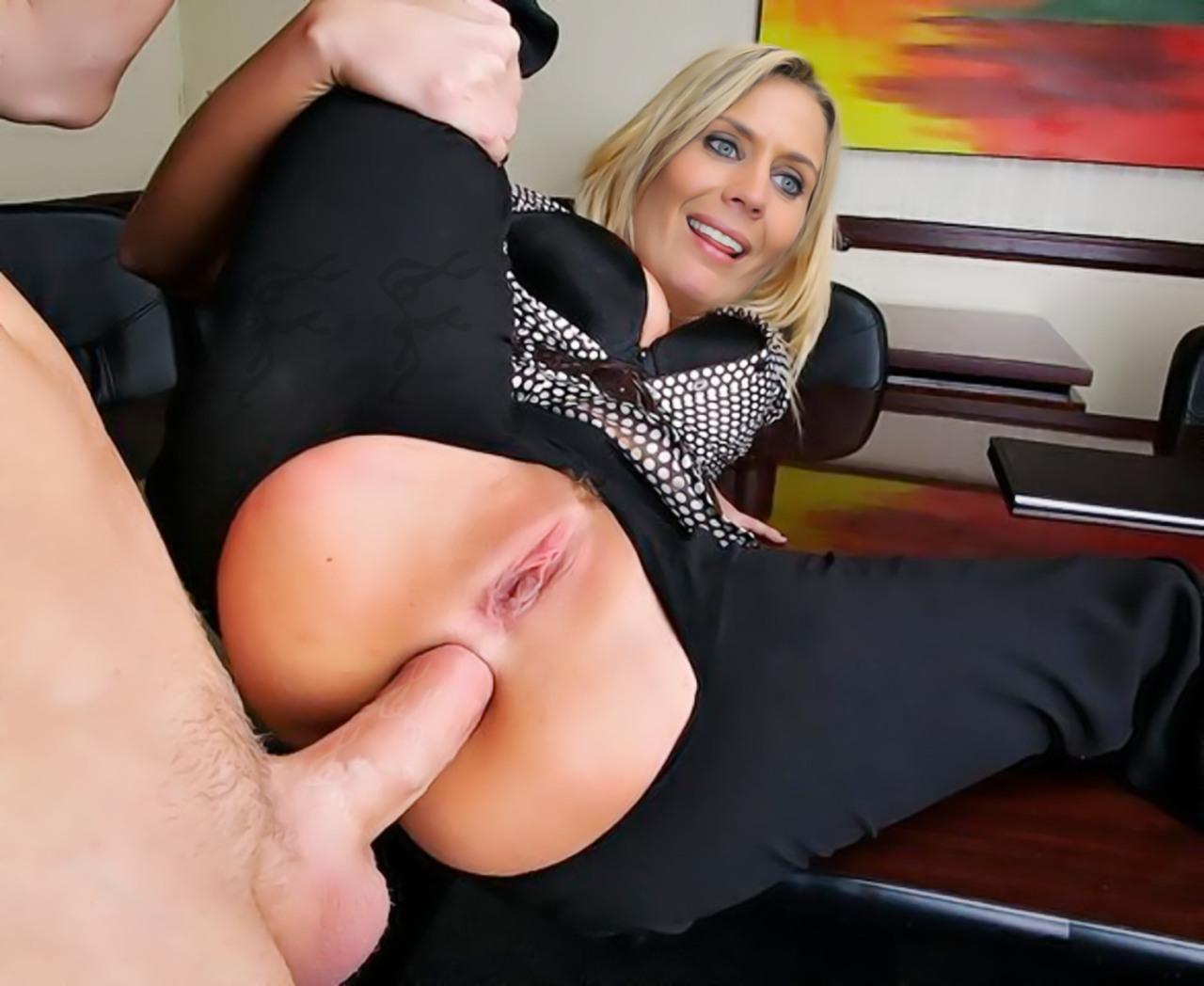Мне порно с блондинкой на работе чувствую