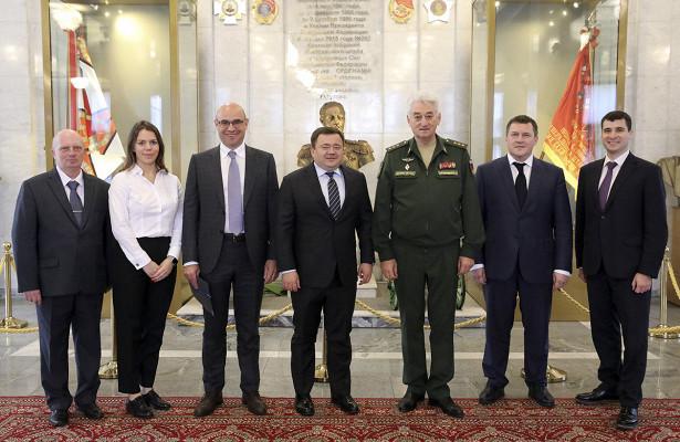Руководители Военной академии Генштаба иПромсвязьбанка обсудили реализацию совместных программ