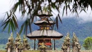 Власти Бали назвали условия открытия границ длятуристов