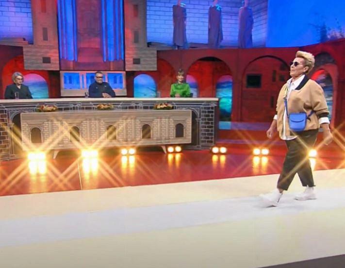 bf783393eec9be02d7a2110ac393e4e1 - Хромченко показала брюки, которые моментально омолаживают образ женщины
