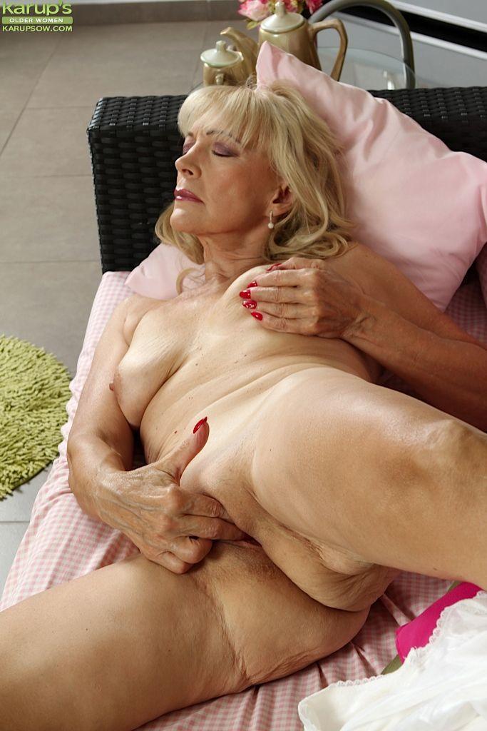 Busty blonde sarah fucked