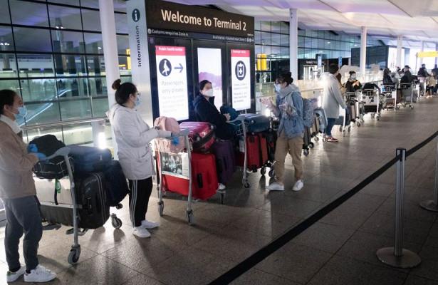 Тысячи пассажиров устроили «хаос» ваэропорту из-заочереди
