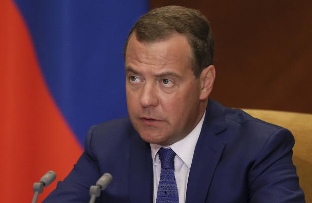 Медведев рассказал опланах создания закона осамозанятых