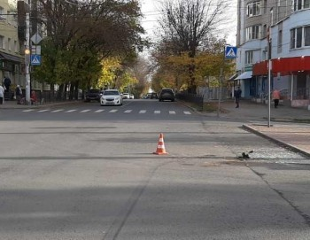 «ВАЗ» и«Лада» столкнулись наперекрестке Никитина— Степана Разина
