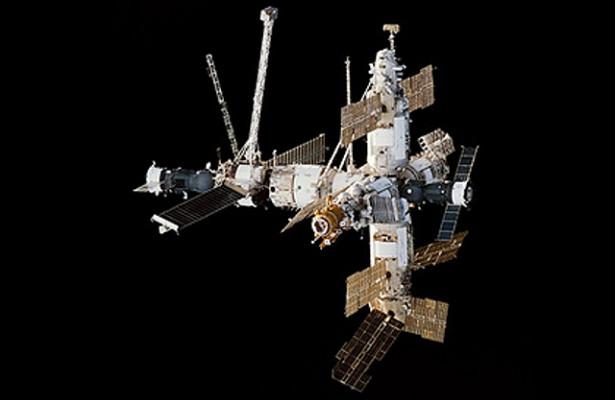 Названа причина затопления космической станции «Мир»
