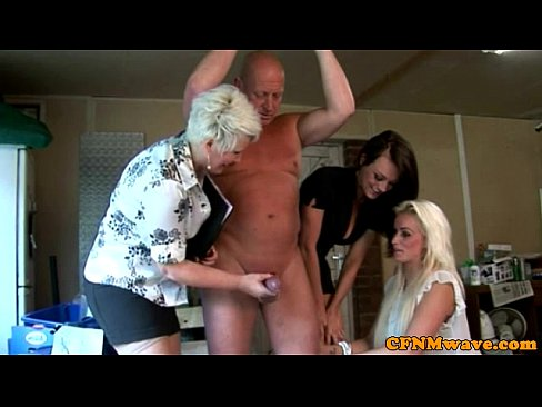 Amater blonde chick blowjob
