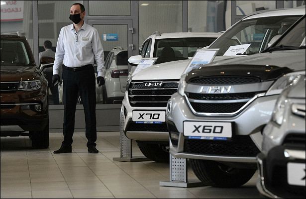 Названы самые продаваемые вРоссии автомобили сАКПП
