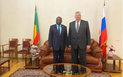 Генеральный секретарь Ассамблеи встретился сПослом Республики Бенин