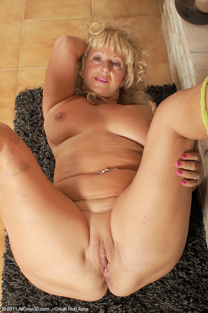 Big tit pictures female fucking transsexual