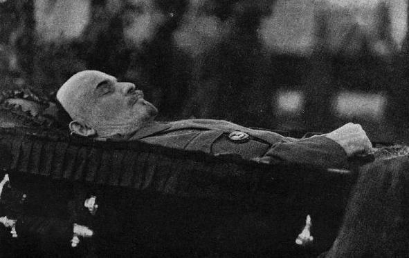 Куда спрятали тело Ленина вВеликую Отечественную
