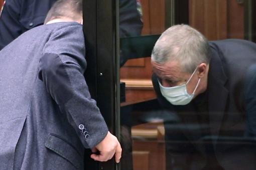 Адвокат опроверг слухи облокировке счетов Ефремова