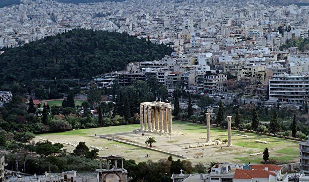 Греческая партия «Золотая заря» провела вАфинах факельное шествие
