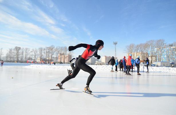 Более сотни конькобежцев боролись вВологде запризы олимпийского чемпиона Сергея Фокичева