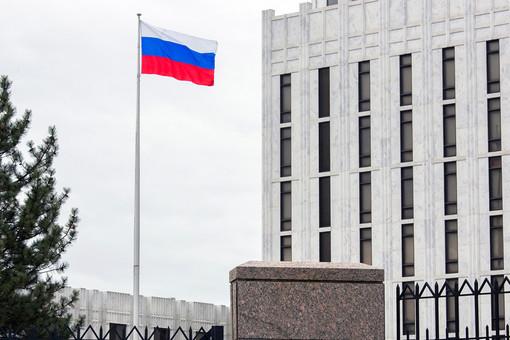 Посольство России вСШАприспустило флаг впамять ожертвах COVID-19