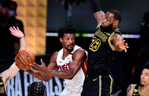 Выдающаяся игра Джимми Батлера помогла «Майами» обыграть «Лейкерс» иматче финала НБА