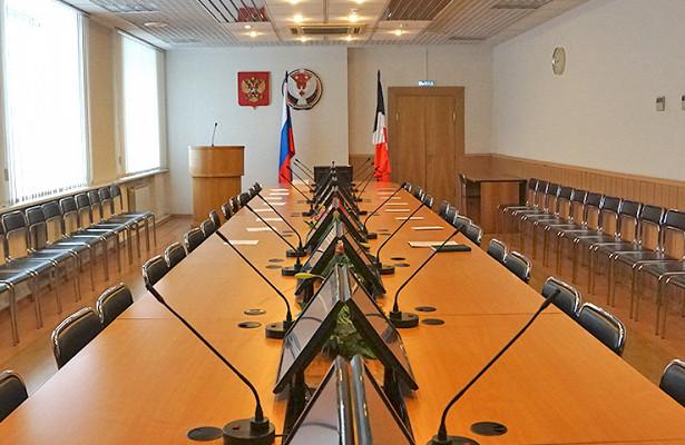 Полпред президента России вПФОИгорь Комаров провел совещание сглавами регионов округа