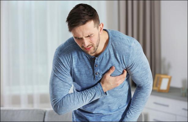 Терапевт признал тошноту внезапным предвестником инфаркта