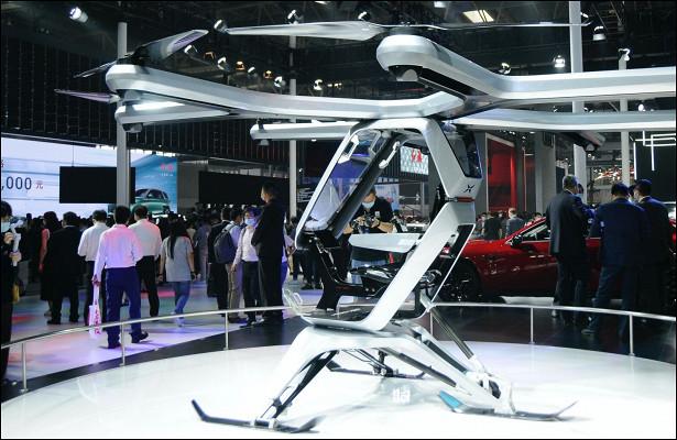 Китайский стартап показал летающий электромобиль