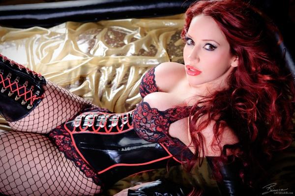Порно видео госпожа большая грудь