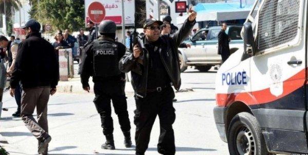 Вышедшие из-подконтроля властей криминальные сообщества уничтожают туризм вТунисе