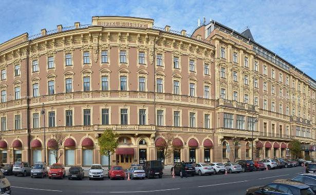 ВЕвропу прорубить окно. История старейшей гостиницы Петербурга
