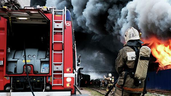 ВНальчике загорелось здание магазина
