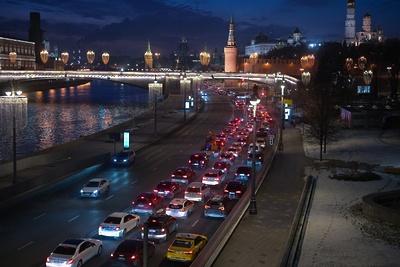 Пробки вМоскве достигли восьми баллов