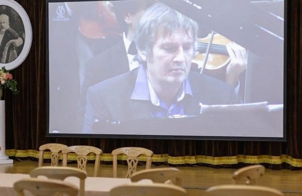 Виртуальный концертный залоткрыли вмузее-усадьбе Петра Чайковского вВоткинске