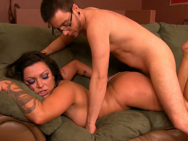 Big tits on fucking machine