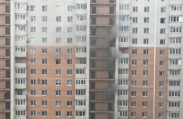 ВПетербурге загорелся многоэтажный дом