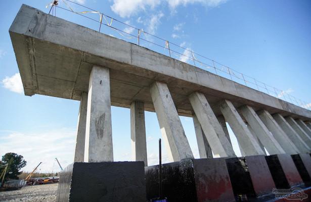 Технологический мост через Тагильский пруд почти построен
