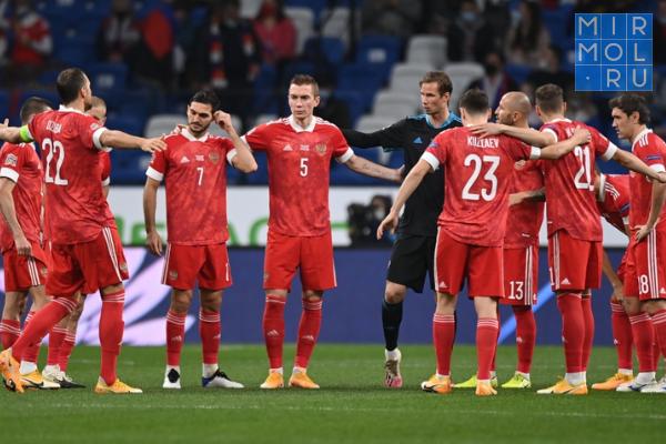 Черчесов: сборная России напервом месте начала этот сбор— напервом изакончила