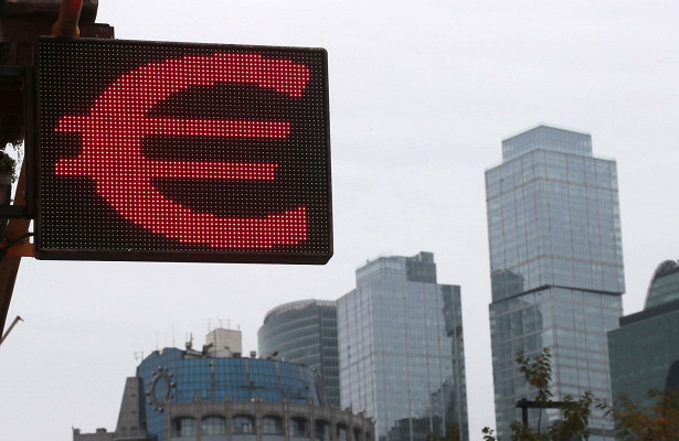 Курс евро упал на78копеек