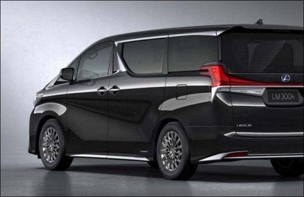 Впродажу поступила самая дорогая модель Lexus LM