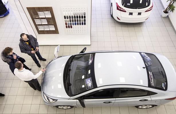 Россияне потратили наавтомобили 2трлн рублей загод