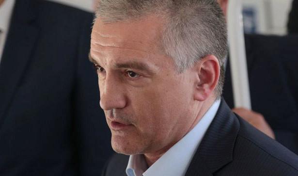 Аксенов передал странное поручение чиновникам