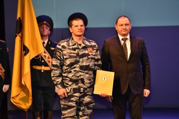 Андрей Шабалин поздравил сотрудников СОБРа иОМОНа с25-летием создания ведомств