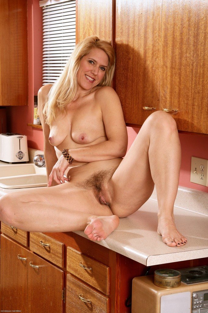Engish hairy older woman