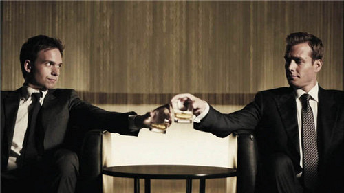 Watch Online: Suits - TV Series (2011) Online HD with