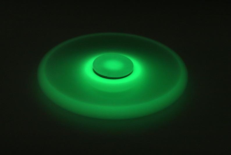 Неон спиннер светящийся fidget spinner цена 17 руб купить в 4604494