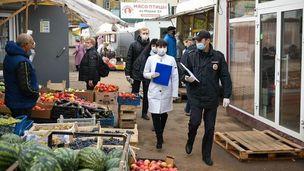 НаОктябрьский рынок нагрянули спроверкой пособлюдению масочного режима
