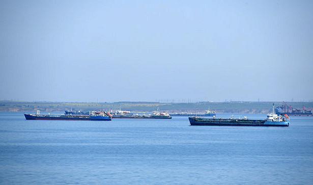 Названы причины загрязнения моря уберегов Керчи иЯлты