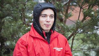 Родион Газманов иВладимир Левкин посадили деревья вМосковском зоопарке