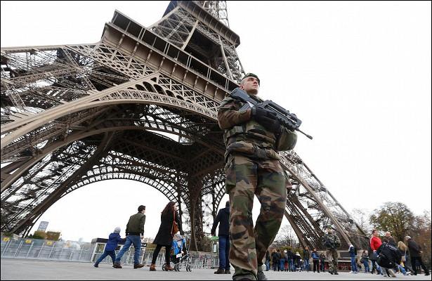 После карантина: Париж превратился в«Дикий Запад»